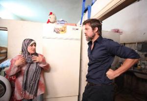 Brad-Pitt-besöker-flyktingar