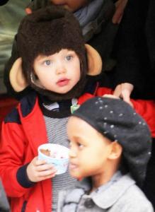 Shiloh Jolie-Pitt är en apa