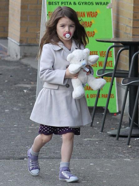 Дочка Тома Круза и Кэти Холмс Сури Круз уже совсем взрослая девочка