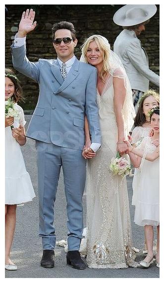 d688edbd5037 Bilder från Kate Moss bröllop | En Bitter Blondins Blogg