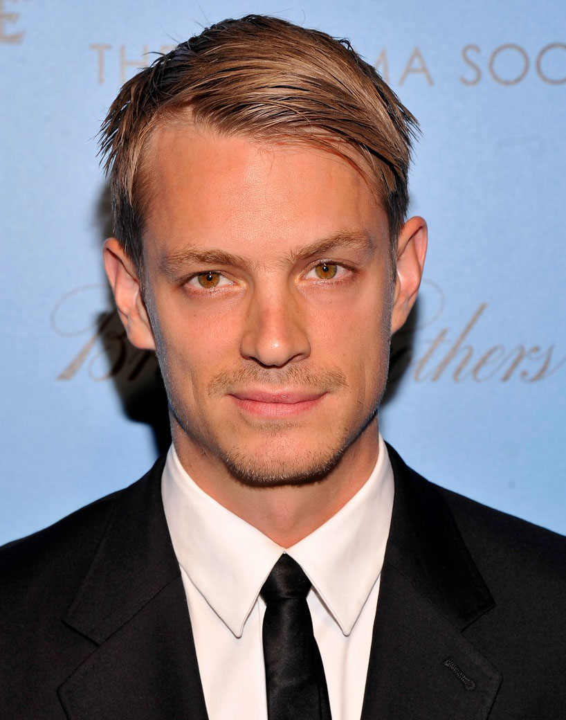 The 38-year old son of father Steve Kinnaman and mother Bitte Kinnaman, 189 cm tall Joel Kinnaman in 2018 photo