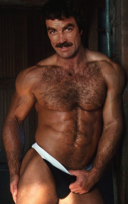 tom-selleck-70
