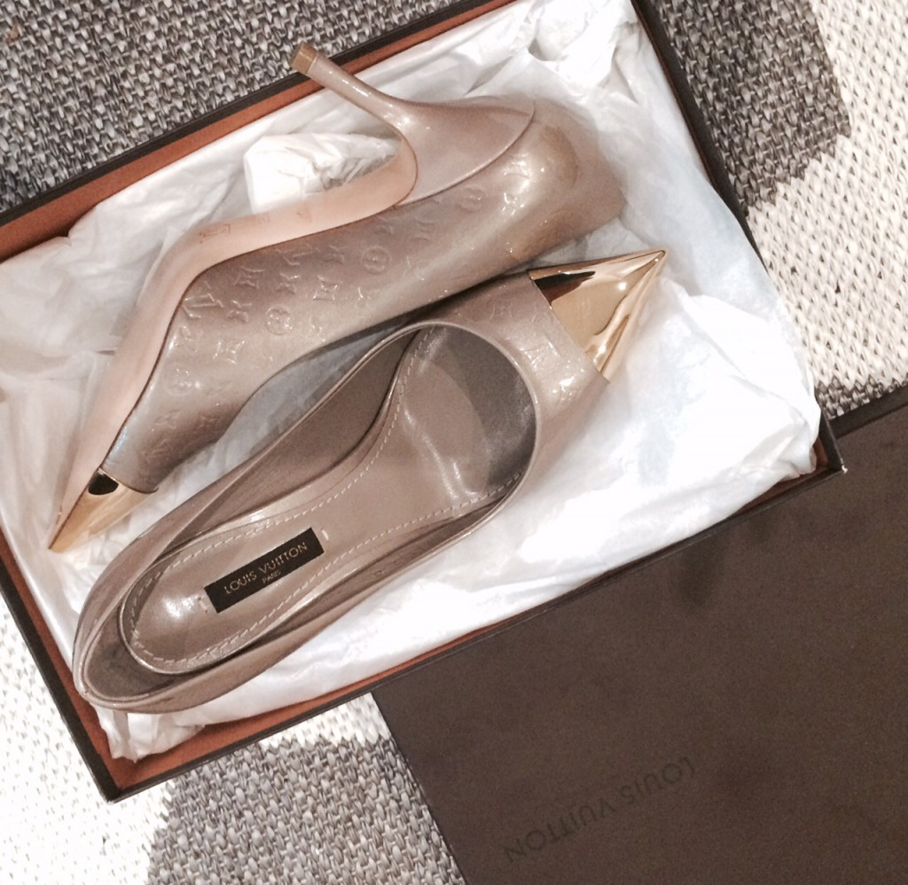 Louis-Vuitton-pumps-guld