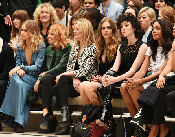 Cara-Delevingne-Burberry-frontrow