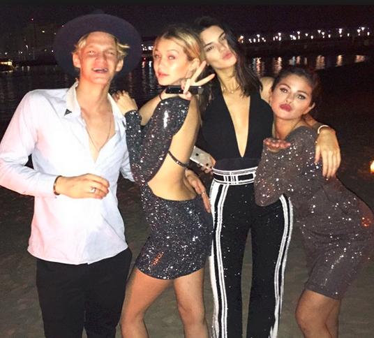 selena-gomez-dubai-yacht-prostitute