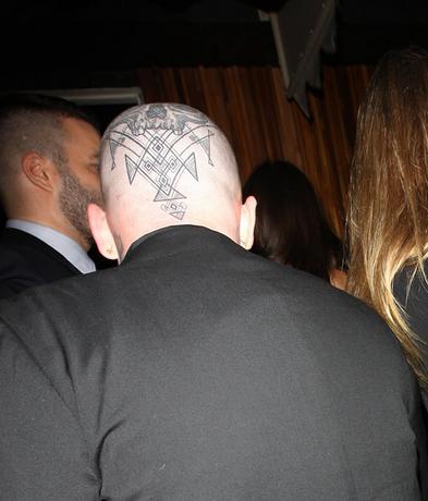 benji-huvud-tatuering
