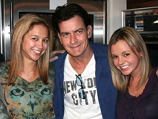 charlie_sheen_with_goddesses2