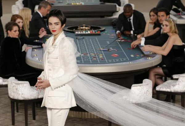 chanel-kendall-casino