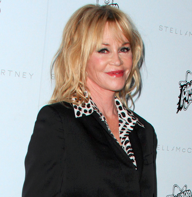 melanie-griffith-frisyr-blondin